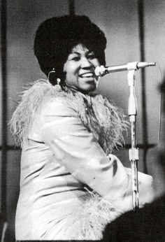 Image from http://liberallifestyles.com/wp-content/uploads/2013/04/aretha-12.jpg.