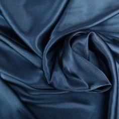 Unsere Charmeuse Satin Stoff ist 58/60 breit, 100 % Polyester und von den Hof verkauft. Satin Stoff ist ideal für Brautjungfer Kleider,…
