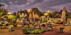 The Coral Castle built mostly at night & totally in secret by one man alone who said he knew the secrets of the Ancient Pyramids
