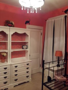 Coral interior design | Coral bedroom. | Interior Design | Pinterest