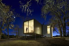 Moose Road / Mork-Ulnes Architects