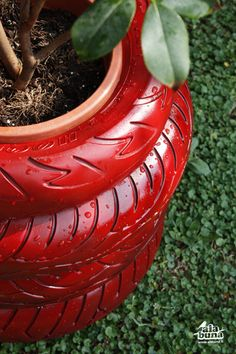 #recycle #gardening painted tire planter! #reuse #recycle #repurpose #tyres #tire #diy #makeit #car #garden #plant #aboutthegarden