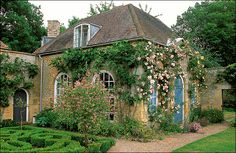 Lancaster added an orangery to an brew house in Oxfordshire, England. Here is a corner of some wonderful topiary by that amazing designer, the late Nancy Lancaster, in front of her orangery. Vita Sackville West, Home Garden Images, Home And Garden, Gaudi, Monet, Lancaster, Landscape Design, Garden Design, Lenotre