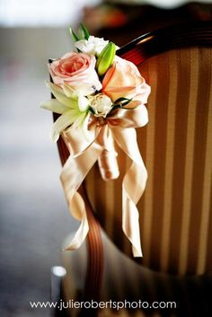 Wedding aisle marker -- but great as a simple bouquet for extra maid helpers, etc.