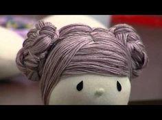 Mulher.com - 21/03/2016 - Dicas de pintura de rostinhos de bonecas e cabelinhos - Vivi Prado 2 - YouTube