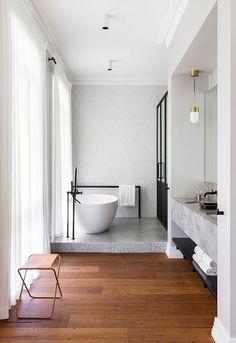 Contemporary bathroom with two levels by Arent & Pyke. Photo by Tom Ferguson #ContemporaryInteriorDesignbathroom