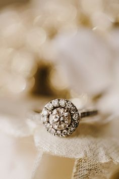 Round sparkler: http://www.stylemepretty.com/2015/05/01/5-nail-polish-ideas-for-your-wedding-day/ | Photography: Kate Ann - http://kateannphotography.com/