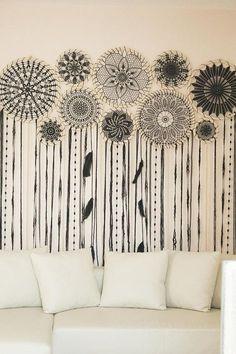 Este impresionante colgante atrapasueños gigante negro se convertirá en un arte de pared de declaración inolvidable en cualquier lugar o casa. Agrega un ambiente bohemio y un ambiente de espíritu libre al lugar. Absolutamente hermoso y femenino, este colgante de pared de
