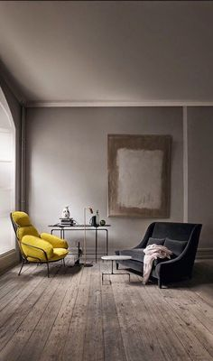 Beautiful moody living room decoration with gray color room, polished floor, yellow and black color sofa chair with beautiful accents & accessories. It's a modern and classic moody living room decoration idea. Interior Exterior, Home Interior, Interior Architecture, Interior Decorating, Yellow Interior, Scandinavian Interior, Interior Styling, Style At Home, Home Fashion