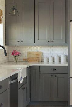 Amazing Farmhouse Kitchen Cabinets Makeover Design Ideas - Page 51 of 77 Grey Kitchen Cabinets, Kitchen Cabinet Design, Grey Kitchen, Kitchen Remodel Small, New Kitchen, Kitchen Layout, New Kitchen Cabinets, Kitchen Renovation, Kitchen Design