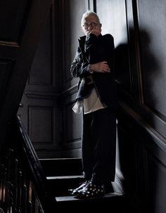 4c56580df86fe6 John Hurt in Yohji Yamamoto and Comme des Garcons Modebeelden