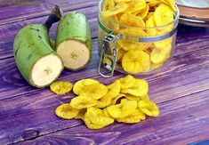 Un viandante in cucina: Yellow Banana Chips, Banana Wafers, Raw Banana Waf. Raw Banana, Banana Chips, Banana Recipes Indian, Indian Recipes, Healthy Indian Snacks, Indian Foods, Dried Vegetables, Chaat Recipe, Snacks