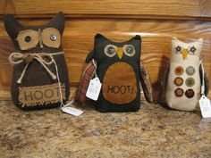 Primitive Owls - pic for inspiration. I love the button eyes, simple stitching and wool pennies!