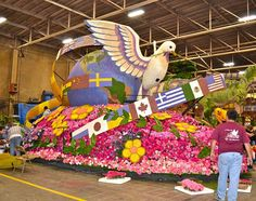 Rose Parade - Tournament of Roses Parade Float - volunteering to decorate floats at the Rose Parade - Close up of the Lions Club Intl Float