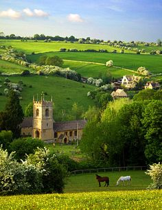 """ridiculously idyllic village find it six miles west of Stow-on-the-Wold inGloucestershire. The population is only 371, but according to wikipedia the happy villagers enjoy a """"vibrant community spirit""""."""