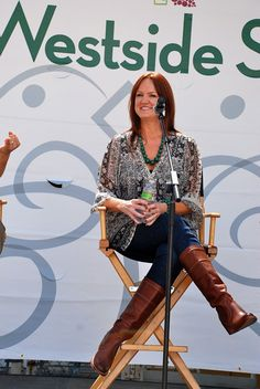 I love love love Ree Drummond! Her food, her attitude toward life and her lodge!