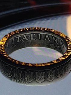 Viva Italia! Stunning details on this 500 Lire Silver Ring!!!