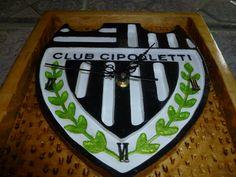 Escudo Club Cipolleti, de Rio Negro; en eliottis