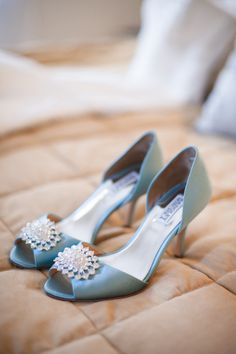 Blue wedding shoes. photo: meganclouse.com