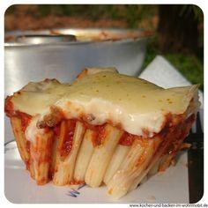 Rigatoni-Lasagne  aus dem Omnia Camping Backofen  www.kochen-und-backen-im-wohnmobil.de