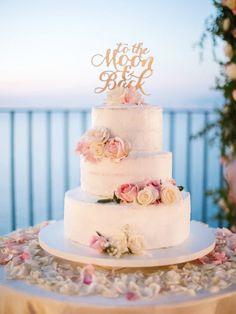 Indescribable Your Wedding Cakes Ideas. Exhilarating Your Wedding Cakes Ideas. Blush Wedding Cakes, Floral Wedding Cakes, Wedding Cake Rustic, Beautiful Wedding Cakes, Wedding Cake Designs, Wedding Cake Toppers, Beautiful Cakes, Wedding Flowers, Engagement Cakes