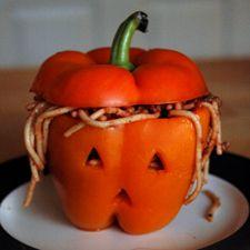 Cute Halloween dinner for kids! Spaghetti in an orange pepper ... brilliant! jack-o-latern.