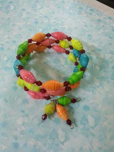 Paper beads bracelet