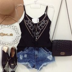 Novidades!💛💛 Regatinha Bordada R$41,40 {P M G} - Bolsa R$89,90 - Tênis R$117,97 - Shorts jeans R$103,30  Compras on line:  www.avcsti.com.br 📱WhatsApp (45)9960-1169 📱WhatsApp (45)9817-1597 📬E-mail: avc_sti@icloud.com  Facebook: www.facebook.com/padreecicero  Formas de Pagamento: 💳Cartão de crédito-parcelado pelo pag seguro. 💰Depósito Bancário Itaú, Banco do Brasil. 📍Compras loja física: Av. Primeiro de Maio n*133/Centro ☎️Telefone: (45)3541-1106  Santa Terezinha de Itaipu/PR
