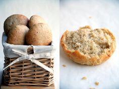 Trufla: Bułeczki orkiszowo-pszenne z siemieniem. I pasta z tuńczyka.
