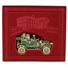 2012 Official White House Christmas Ornament A Presidential Christmas,http://www.amazon.com/dp/B008V328KI/ref=cm_sw_r_pi_dp_t0PKsb00CXDEFBDH