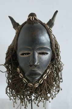 I feel this mask is very authentic with regards to the African society, therefore it is extremely effective Arte Tribal, Tribal Art, African Masks, African Art, Art Premier, Masks Art, Art Moderne, African Culture, Ivory Coast