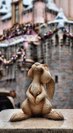 Right next to the Snow White wishing well in Disneyland Disney Nerd, Disney Theme, Disney Trips, Disney Love, Disney Magic, Disney Parks, Walt Disney World, Orlando Disney, Disney Stuff