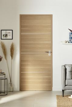 Full NUANCE door - Our Nuance Pleine oak door brings a natural charm to your space: its invisible hinges add a touch o - Flush Door Design, Home Door Design, Door Design Interior, Interior Modern, House Design, Scandinavian Interior Doors, Contemporary Interior Doors, Custom Interior Doors, Modern Wooden Doors