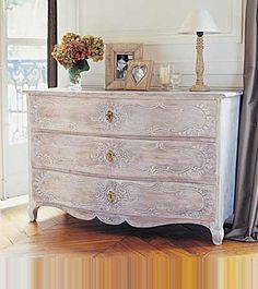 Meuble Ancien Patiné Buffet Bas Avec Moulures Sculptées Meubles Et - Customiser un meuble ancien en bois