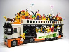 Bricklink is the world's largest online marketplace to buy and sell LEGO parts, Minifigs and sets, both new or used. Search the complete LEGO catalog & Create your own Bricklink store. Lego Auto, Lego Super Mario, Lego Boards, Lego City Police, Amazing Lego Creations, Lego Design, Lego Models, Custom Lego, Lego Moc