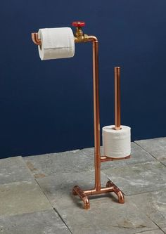 copper home accessories Our industrial Copper pipe toilet roll stand is a great accessory for a funky style bathroom or WC. This steampunk style loo roll stand holds upto 4 rolls. Match with our copper pipe hooks for a complete look! Bathroom Toilets, Bathroom Fixtures, Small Bathroom, Bathroom Ideas, Funky Bathroom, Bathroom Cost, Bathroom Showers, Bathroom Cabinets, Bathroom Designs