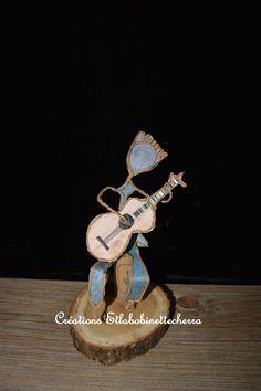 personnage poétique de fil de fer et papier par etlabobinettecherra