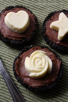 Oreo Nutella Tarts by =claremanson on deviantART