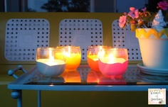 Nest of Posies: Dipped Votives - Dollar Store Craft Idea, fill with centranella candles for the porch! Dollar Store Crafts, Craft Stores, Dollar Stores, Diy Craft Projects, Diy Crafts, Craft Ideas, Crafts Cheap, Project Ideas, Paint Dipping