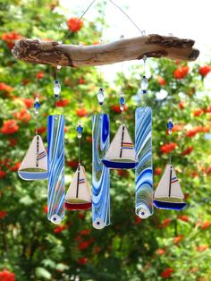 Blue Fused Glass Sailboat Wind chimes with Driftwood Broken Glass Art, Sea Glass Art, Stained Glass Art, Mosaic Glass, Fused Glass, Water Glass, Mosaic Art, Diy Wind Chimes, Glass Wind Chimes