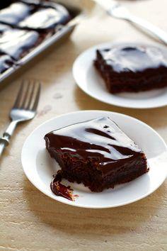 FUDGY CHOCOLATE CAKE BARS – Surprise Pix