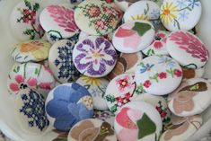 Isa Creative Musings: Vintage Linen Buttons...more