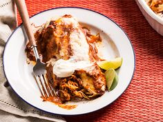 Turkey Enchiladas and 26 other Mexican recipes Turkey Enchiladas, Chicken Enchiladas, Mexican Enchiladas, Mexican Dishes, Mexican Food Recipes, Ethnic Recipes, Mexican Meals, Turkey Roasting Pan, Enchilada Recipes