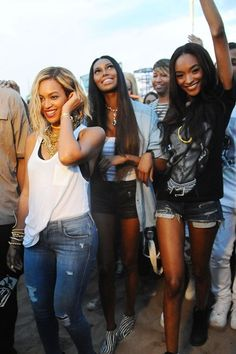 Beyonce et al. take on Coney Island -- Did Jessica White get a nose job?  #Brooklyn
