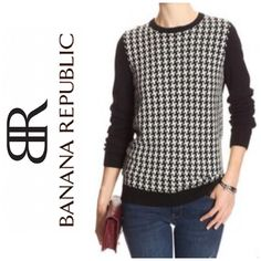 Banana Republic Houndstooth Sweater Perfect condition. Black and white print on front, solid back. Full length sleeves. Banana Republic Sweaters Crew & Scoop Necks