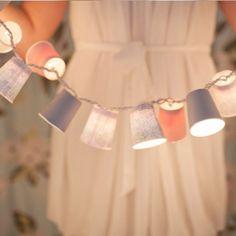 Lichterkette aus Pappbechern
