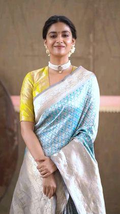 Pattu Saree Blouse Designs, Half Saree Designs, Saree Blouse Patterns, Latest Saree Blouse Designs, Blouse Designs High Neck, Blouse Designs Silk, Bollywood Saree, Bollywood Fashion, Indian Fashion Dresses