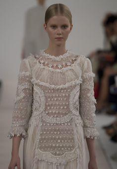 Site Officiel Valentino - Collection New York Runway Femme Valentino.