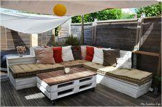 Canap� d'angle ext�rieur bois et table basse palette