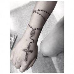 Little Tattoos — Single needle rosary wrap tattoo. Rosary Tattoo On Hand, Rosary Bead Tattoo, Rosary Foot Tattoos, Juwel Tattoo, Wrap Tattoo, Tattoo Blog, Wrist Tattoos For Guys, Forearm Tattoos, Body Art Tattoos